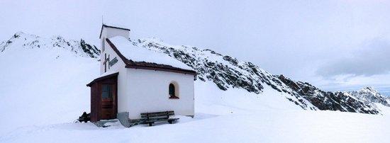Hotel Edelweiss: Rotkogeljochkapelle