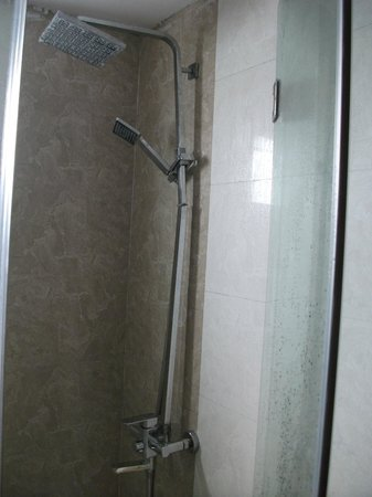 Hanoi Old Town Hotel: Shower fitting was very poor