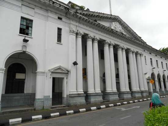 Textile Museum: The Post Office in Kuching