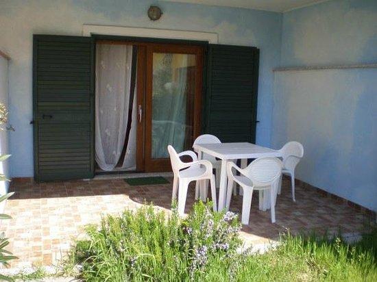 Borgo Dei Mirti: Veranda Bilocale 11