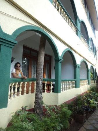 Kismat Mahal: Outer View