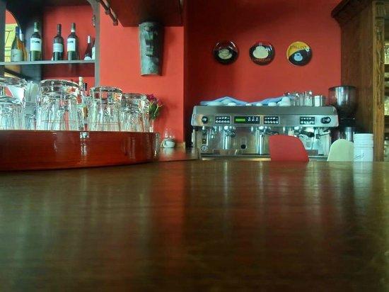 Osteria da Salvatore: particolare del bar