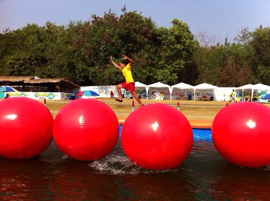 Pattaya, Thailand: Big balls