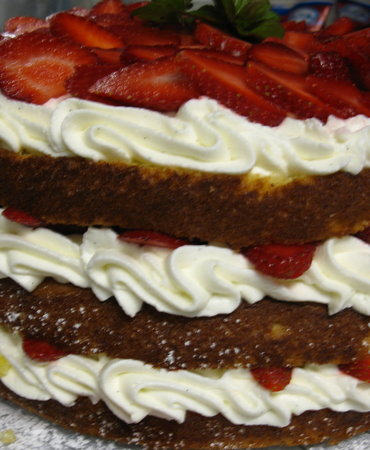 The Refectory Cafe : Fresh Strawberry Shortcake