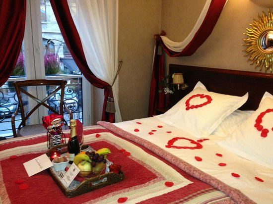 Hotel Britannique : Our room with romance package upon arrival