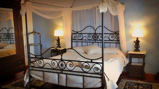 Monte Alerta: Room/quarto