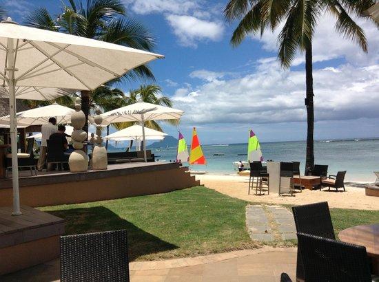 Sugar Beach Mauritius: Tides beach bar at the resort
