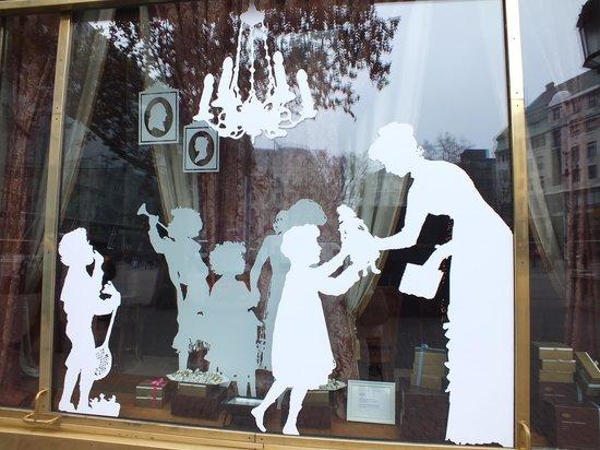 Gerbeaud : витрины знаменитого кафе