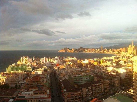 Hotel Madeira Centro: 18 этаж, номер с видом на бухту