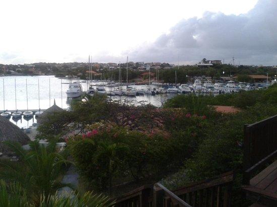Boathouse Food & Marina: Uitzicht over het haventje.