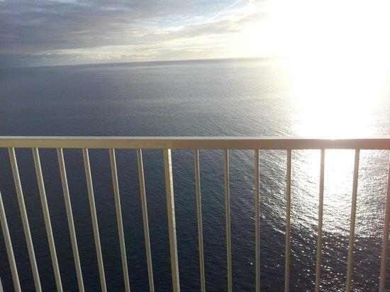 ClubHotel Riu Vistamar : Den utsikten var inte dum att ha varje morgon och em.sol.