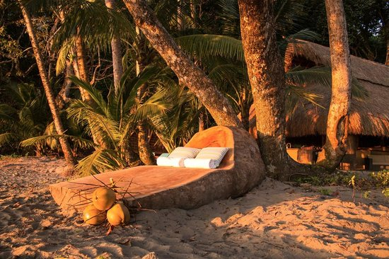 The Resort at Isla Palenque: Driftwood lounge and Las Rocas in the evening