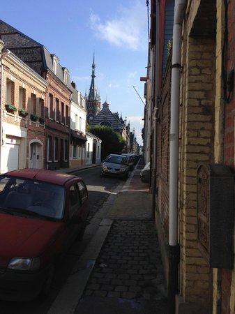 Hotel Normandy: Соседняя улица
