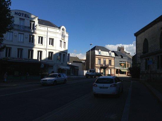 Hotel Normandy: Отель, вид с улицы