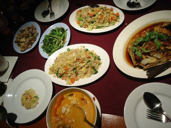 Pan Yaah Thai Restaurant: food