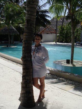 Gili Lankanfushi Maldives : У бассейна.
