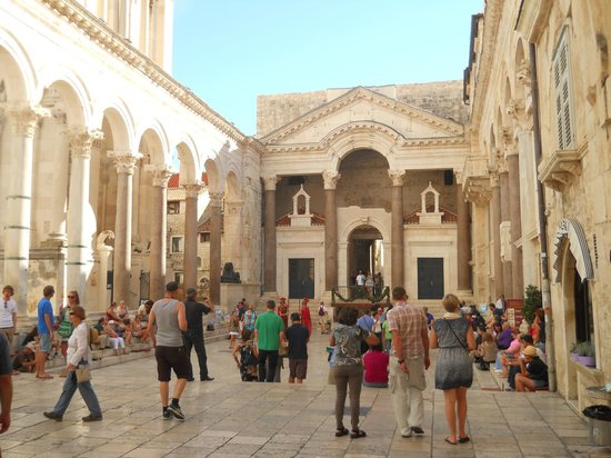 Diokletianpalast: Diocletian's palace- Peristyl