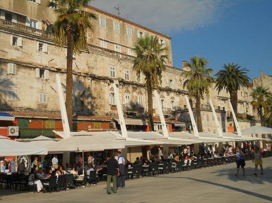 Diokletianpalast: Diocletian's palace- esplanade