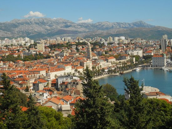 Diokletianpalast: view over Split