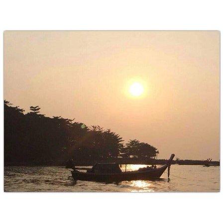 Khlong Dao Beach: : )