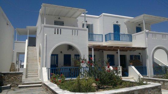 Marianos Apartments
