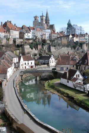 Office de Tourisme Semur en Auxois : vue magique depuis le pont pinard