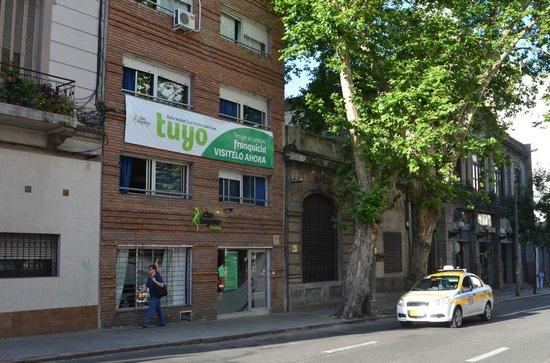 Che Lagarto Hostel Montevideo: fachada do hostel