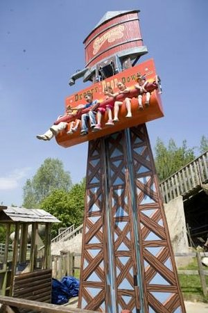Milton Keynes, UK: Take on the Drop Tower!