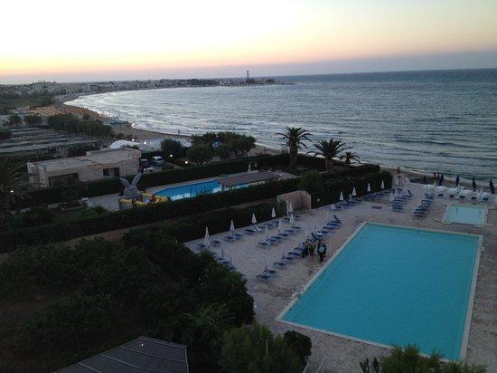 Hotel del Levante: panorama dalla camera, piscina