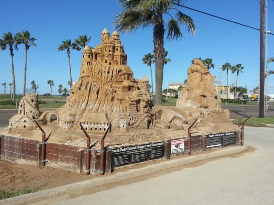 Sandcastle Lessons: The Islands biggest castle - 60 tons and counting