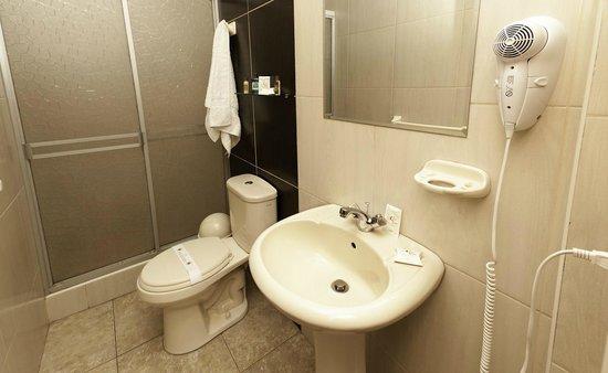 Casa Villa Arequipa: Ensuite Bathroom