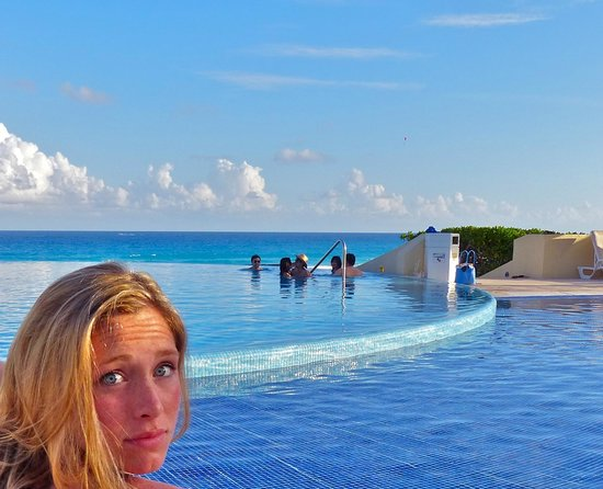 Live Aqua Beach Resort Cancun : everything was blue