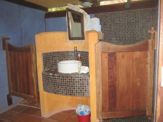Zamas: toilet, sink, shower: left to right