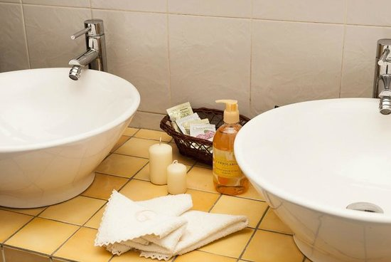 B&B Guelfi e Ghibellini: Share bathroom