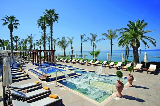 Alexander The Great Beach Hotel: Serenity Pool