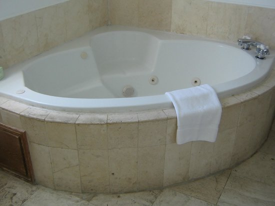 Hotel Ocean: relaxing jacuzzi tub