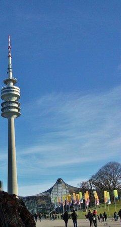 Olympiaturm: Вид из ОЛИМПИЙСКОГО