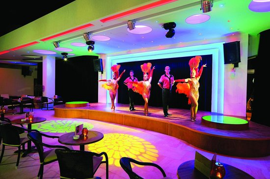 Alexander The Great Beach Hotel : Havana entertainment area