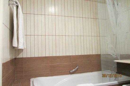 Hotel Paradis Palace : Ванная комната.