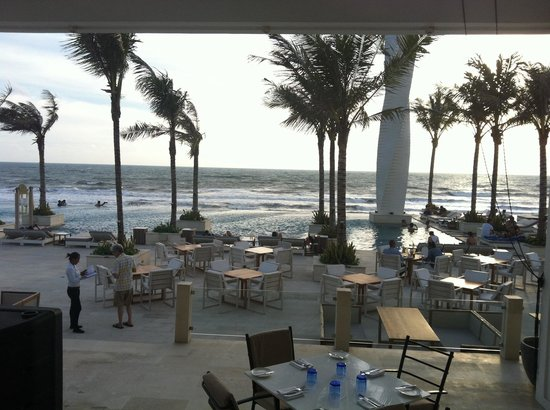 Lv8 Resort Hotel: The ocean breeze and wind in this resort  is AMAZING!!!