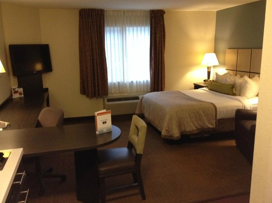 Candlewood Suites Baltimore-Linthicum: Bed