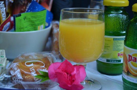 Villa Clelia Bed and Breakfast: Vassoio colazione in camera