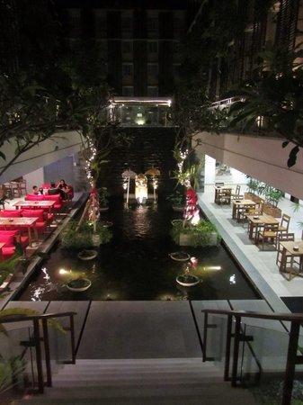 Ananta Legian Hotel: Restaurant