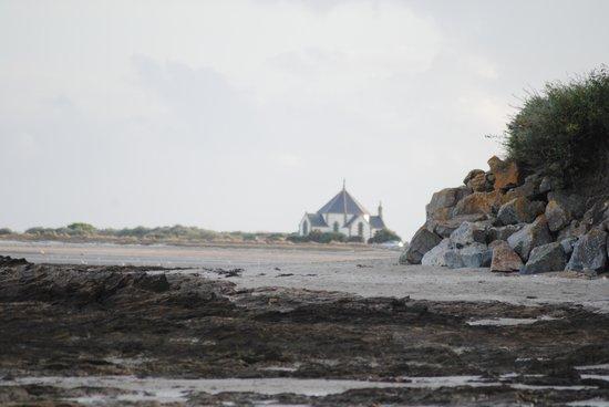 Hotel Le Mur du Roy : Vue sur la plage .