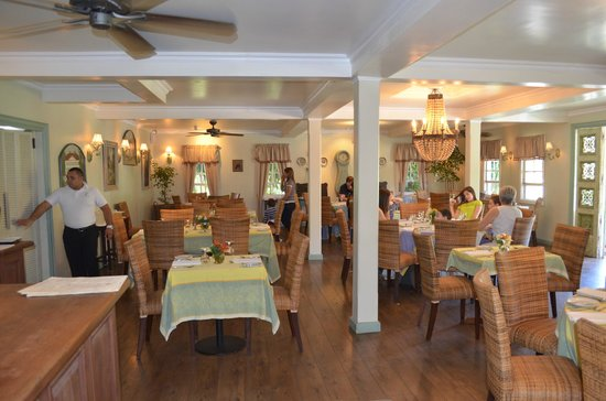 PANAMONTE HOTEL-RESTAURANTE: Main dining hall at the Panamonte