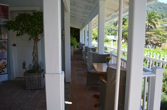 PANAMONTE HOTEL-RESTAURANTE: Outside tables for two