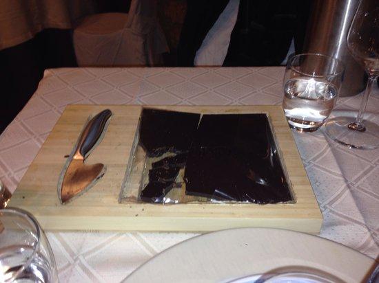 Al Vecchio Pozzo : Cioccolato al tagliere: buonissimo accompagnato con una grappa!