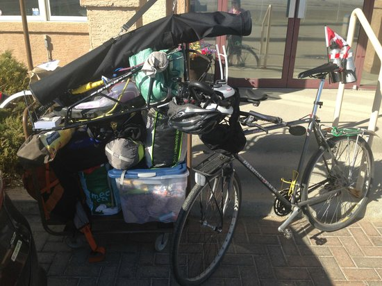 Caronport, Канада: Yup...way too much stuff for a bike trip!