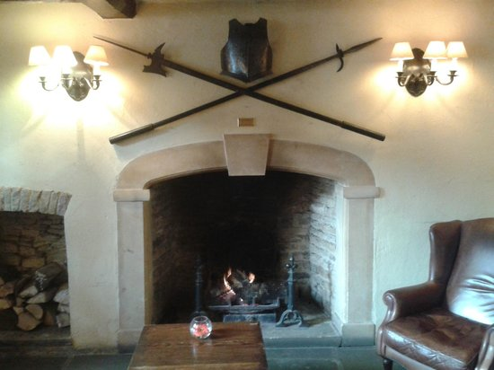 The Unicorn Hotel: fire place in bar