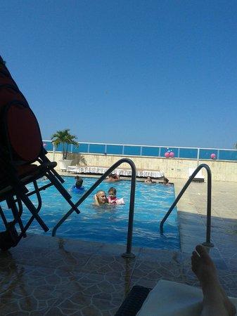 Hotel Cartagena Plaza: Piscina